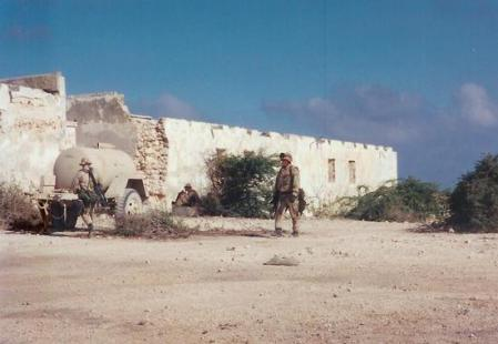Usmcsniper finding water in Mogadishu