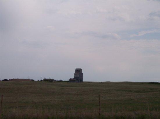 J_and_j pass grain elevators in Saskatoon