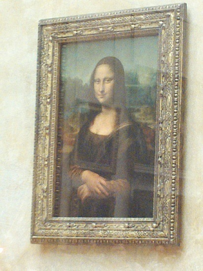 Lunababy at the Louvre