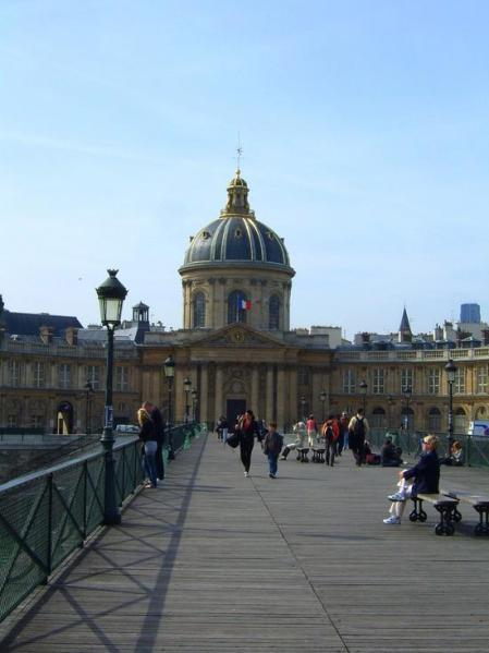 Pont des Arts in Paris by Worldtaste