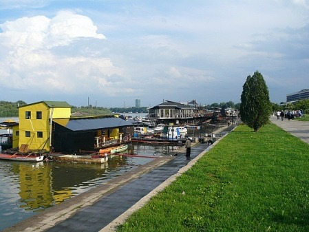 """Some """"barge-clubs"""" found in Belgrade, Serbia"""