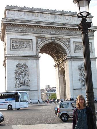 Gilmoregirls was impressed by the Arc de Triomphe in Paris